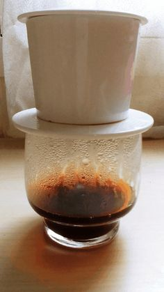 cafe filtre traditionnel du vietnam hanoi corner paris V60 Coffee, Coffee Shop, Slow Food, Hanoi, Corner, Paris, Canteen, Coffee Shops