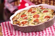 Flan de tomates et jambon au thermomix. Un vrai régal ! Peut se déguster avec un peu de salade verte. Une recette simple et facile à réaliser au thermomix.