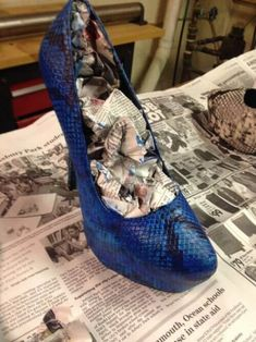 A sweet woman handcrafted a beautiful pair of shoes for her younger sister's prom, perfectly imitating a pricey pair of designer heels. Roshe Shoes, Nike Shoes, Jimmy Choo, Christian Louboutin, Savings Planner, Soy Products, Cool Undertones, Prom Shoes, Designer Heels