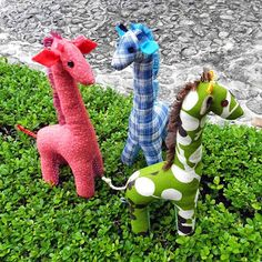 Pichoniza* Jirafas / Giraffes. #toy #fabric #softie #giraffe #jirafa #juguete #tela #pichoniza