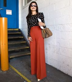 Beautiful, rich rust wide legs paired with a polka dot blouse. Indie Fashion, Work Fashion, Fashion Week, Hijab Fashion, Fashion Outfits, Classy Outfits, Chic Outfits, Mode Safari, Orange Pants Outfit