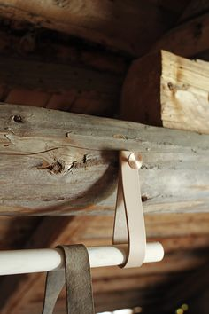 #habitare15 #uudistuminen #design #sisustus #varpunen #dekolehti #habitare2015 Cottage In The Woods, Cottages, Objects, Curtains, Detail, Leather, Accessories, Design, Home Decor