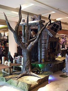 Spirit Halloween Swamp Tree (Store Use) Prop, Never opened or used. BRAND NEW!!-spirit-halloween-tree.jpg