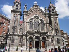 La iglesia de San Juan el Real es una basílica de la diócesis de Oviedo, situada en el centro de esta ciudad. Es desde su origen iglesia parroquial, y además tiene el título de basílica menor por decreto de la Santa Sede del 24 de septiembre de 2014.