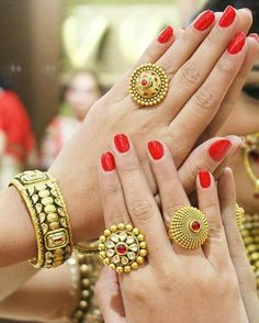 A Guide To Antique Engagement Rings Gold Rings Jewelry, Hand Jewelry, Gold Jewellery, Gold Bangles, Bridal Bangles, Temple Jewellery, Bridal Jewellery, Trendy Jewelry, Fashion Jewellery