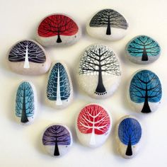 Easy Rock Painting Ideas For Inspiration - Pebble painting Painted rock idea- Trees shaped to the individual stones Making craft rocks with some DIY easy rock painting ideas can be a really fun activity to do with your kids. The main activity will be rock Pebble Painting, Pebble Art, Stone Painting, Diy Painting, Pebble Stone, Painting Trees, Light Painting, Stone Crafts, Rock Crafts