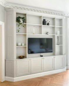 Built In Shelves Living Room, Living Room Wall Units, Cozy Living Rooms, Living Room Designs, Home Decor Dyi, Decorating A New Home, Home Decor Styles, Wood Entertainment Center, Style Cool