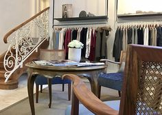Bettina Schuh übernahm die renommierte Boutique Wally's Moden in Bad Gastein. Die Wienerin, die damit in den Heimatort ihrer Mutter zurückkehrte, zeigt lässige Eleganz. Bad Gastein, Moden, Boutique, Fresh Face, Casual Elegance, Shoemaking