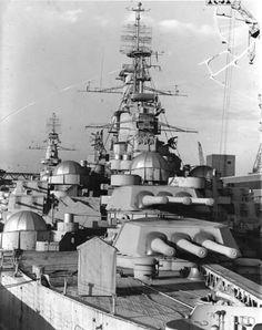 USS California mothballed I 1947 Naval History, Military History, Uss Indiana, Croiseur Lourd, Pearl Harbour Attack, Uss North Carolina, Uss Texas, Us Battleships, Us Navy Ships