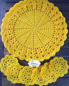 Best 12 Kit with 06 Sousplat + 06 Crocus Cup Holder Measures: Sousplat: Po … – – SkillOfKing. Crochet Table Mat, Crochet Placemats, Crochet Mat, Crochet Dollies, Crochet Doily Patterns, Crochet Round, Crochet Home, Filet Crochet, Crochet Designs