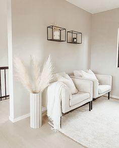 Home Design Living Room, Living Room Decor Cozy, Home And Living, Bedroom Decor, White Room Decor, Living Room White, Black And White Living Room Ideas, Living Room Inspiration, Home Decor Inspiration