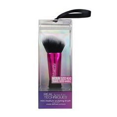 medium sized head   travel sized handle The medium mini medium sculpting brush has an angled head specifically designed to help create defined contours.  create defined contours PATENT INFORMATION