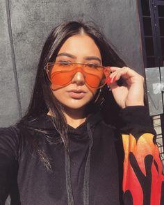 126018862bc92 171 melhores imagens de fotos Tumblr com óculos em 2019   Female ...
