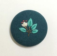 Simple Embroidery, Hand Embroidery Stitches, Embroidery Needles, Hand Embroidery Designs, Embroidery Applique, Floral Embroidery, Cross Stitch Embroidery, Embroidery Patterns, Crochet Leaf Patterns
