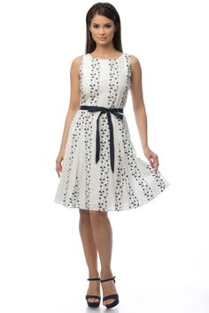 Stuff To Buy, Dresses, Fashion, Vestidos, Moda, Fashion Styles, Dress, Fashion Illustrations, Gown