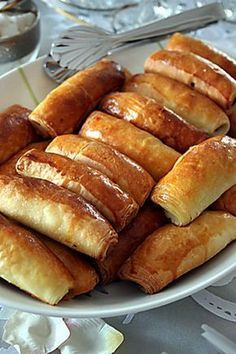 Patatesli_kiymali Hot Dog Buns, Hot Dogs, Turkish Breakfast, Turkish Delight, Turkish Recipes, Pastry Recipes, Tea Party, French Toast, Muffin