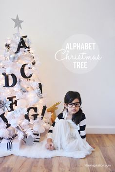 Alphabet Themed Christmas Tree for kids (Littleinspiration.com)Love this, especially with my Logan having a learning disability!!