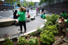 A New Playground in the Bronx Soaks Up the City's Problematic Storm Water - The New York Times