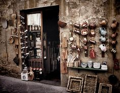 A little shop in Tuscany