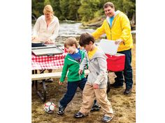 Tips for Family Camping Meals That Are Easy And Delicious – Family Camping Site Camping Games, Camping Meals, Family Camping, Go Camping, Camping Recipes, Outdoor Fun, Outdoor Camping, Online Shopping Canada, Campsite