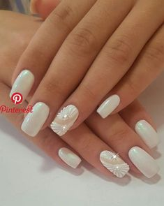 Perfect 40 Elegant Look Bridal Nail Art Ideas Natural Wedding Nails, Wedding Day Nails, Wedding Nails Design, Natural Nails, Nail Polish Designs, Nail Art Designs, Nail Design, Cute Nails, Pretty Nails