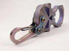 Skeleton Titanium Carabiner Bike-Link-1 por EdcApparatus en Etsy