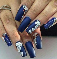 Inspiration: 21 ideas to decorate your nails at Christmas - Nail design - Uñas Natural Nail Designs, Gold Nail Designs, Colorful Nail Designs, Beautiful Nail Designs, Cute Nail Designs, Polygel Nails, Rose Nails, Bling Nails, Nail Polishes