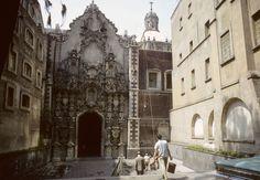 Una de los millones de Iglesias en la Republica Mexicana.