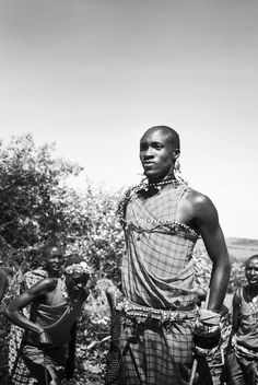 The quintessential Maasai warrior doing the traditional Masai jump. We Are The World, People Of The World, Maasai People, Africa People, Kenya Travel, Photography Pics, African Tribes, Camping World, African Culture