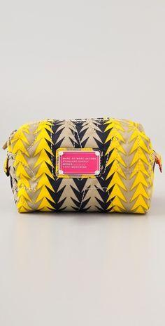 i need this makeup bag!!! omg