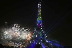 Le mariage gay s'invite au feu d'artifice du 14 juillet !  Gay flag on the Eiffel Tower for the Bastille day !
