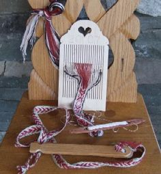 Double holes heddle for Sami weaving