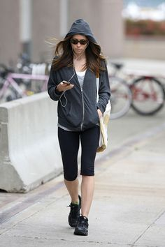 Jessica Biel looks great while getting in the zone listening to some tunes!