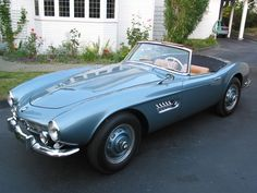 1959 Blue BMW 507 is a roadster produced by BMW from 1956 to 1959. Initially intended to be exported to the United States at a rate of thousands per year, it ended up being too expensive, resulting in a total production figure of 252 cars and heavy losses for BMW.