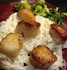 LOW CARB and DELICIOUS!!!! Addict to Attorney: Low Carb Seared Scallops with Parmesan Alfredo Miracle Noodles