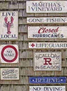 Sand Bar House, Martha's Vineyard reminds me of Sconset so much. Coastal Cottage, Coastal Style, Coastal Living, Coastal Decor, Coastal Homes, Nantucket, Marthas Vinyard, Les Hamptons, Vineyard Haven
