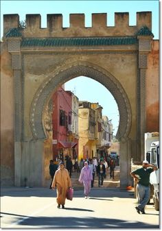 Meknes - History? Yes, for now...those enchanting little jewelry stores...oh, how they beckoned...never enought time!