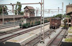 TrainScape: Diorama basado en Vadollano. 56 Modelista, Model Train Layouts, Model Trains, Trains, Dioramas, Parking Lot, Blue Prints, Model Train