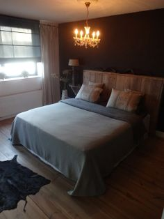 Inspiratie slaapkamer blauw on Pinterest  Bedrooms, Warm Gray Paint ...
