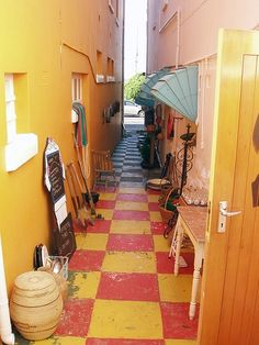 'n Deurgang in Kalkbaai Corner Restaurant, Missing Home, African Interior, Heavenly Places, Gypsy Caravan, Cape Town South Africa, Alleyway, Out Of Africa, City Limits