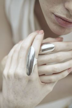 Sleek statement ring, elegant futuristic jewellery // Casa Malaspina