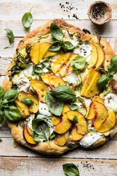 Zucchini and Peach Pizza with Burrata. -Pesto Zucchini and Peach Pizza with Burrata. - Red, yellow, orange and green tomatoes dot this colorful, crispy, and slightly cheesy savory pie. Pizza Recipes, Vegetarian Recipes, Dinner Recipes, Cooking Recipes, Healthy Recipes, Healthy Pizza, Cooking Kale, Cooking Pork, Cooking Turkey