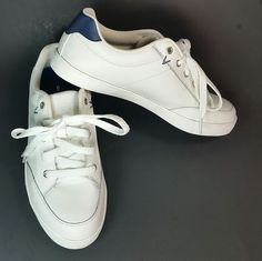 Dr Scholls Athletic Tennis Shoes White Leather Memory Foam Ladies Womens Size 6 #DrScholls #AthleticSneakers