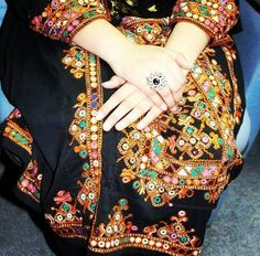 Balochi Girls, Girls Dpz, Afghan Clothes, Afghan Dresses, Most Beautiful Dresses, Nice Dresses, Indian Fashion, Boho Fashion, Balochi Dress