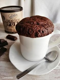 Pear cake with chocolate sauce - HQ Recipes Pear Recipes, Mug Recipes, Cake Recipes, Dessert Recipes, Desserts, Cake Mug, Cake Tins, Chocolate Mug Cakes, Chocolate Recipes