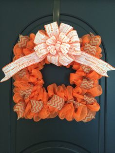 University of Tennessee Wreath UT Wreath by SouthHouseDesign Easy Burlap Wreath, Chevron Burlap Wreaths, Diy Wreath, Wreath Ideas, Deco Mesh Wreaths, Fall Wreaths, Door Wreaths, Picture Frame Wreath, Square Wreath