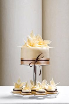 Weeding cake in a new form