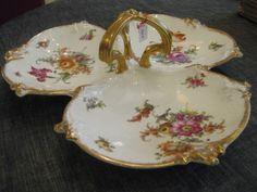 Plat trilobé en porcelaine de Limoges