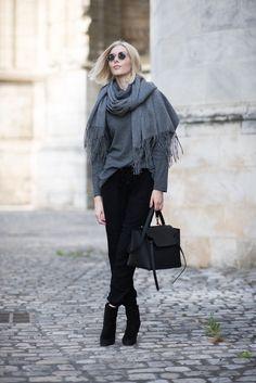 Balmuir Highland scarf in grey