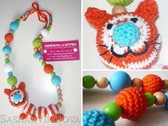 Rode kat verpleegkunde ketting met toy door ForYourBabyWithLove